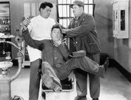 Film: Laurel & Hardy - Hinter Schloss und Riegel