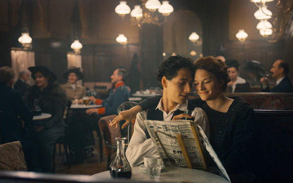 Film: Egon Schiele - Tod und Mädchen - Bild4